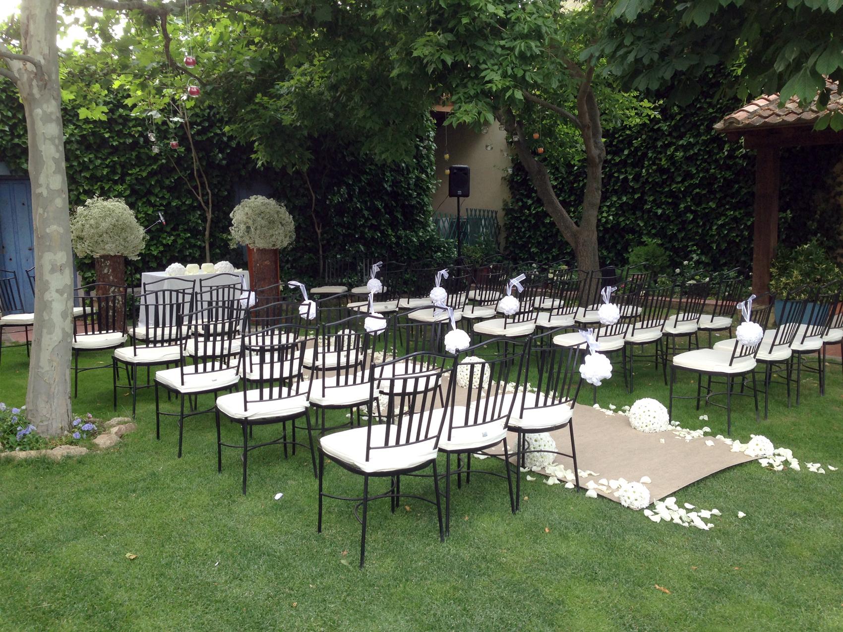 Ceremonia de boda al aire libre un d a especial la for Decoraciones para piscinas y jardines